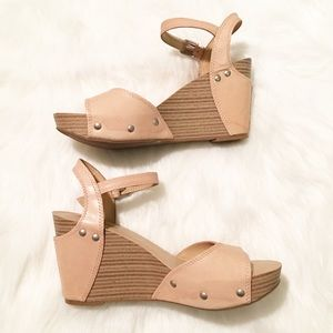 Lucky Brand tan wedge heel shoes 8.5
